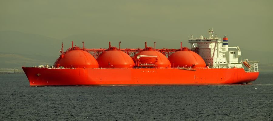 Red ship LNG